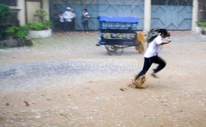 Freak Hailstorm Leaves 10 Dead in Bangladesh