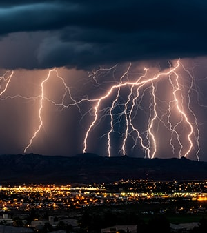 Lightning Strike Delays Flights at LaGuardia Airport
